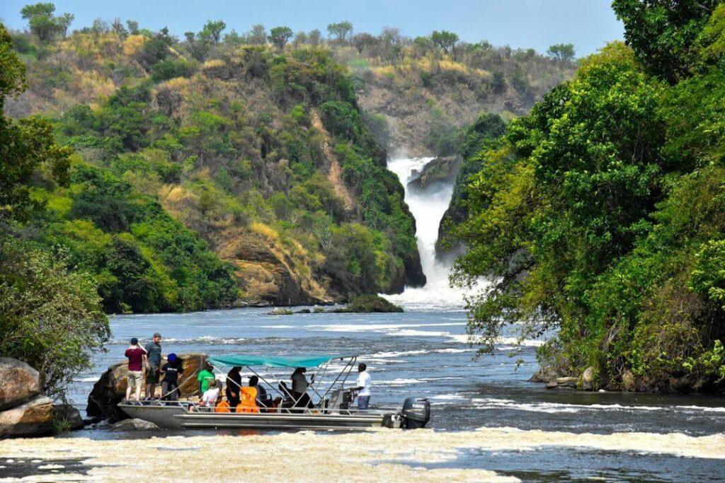 Plavba k vodopádům Murchison Falls