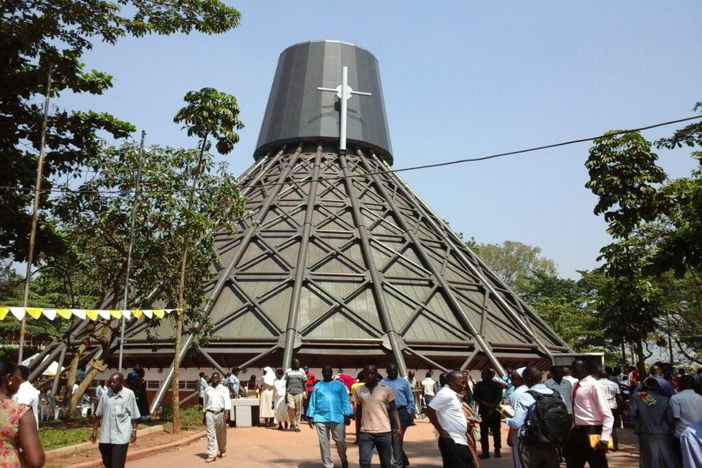 Návštěva Kampaly - Anglikánský chrám Namugongo